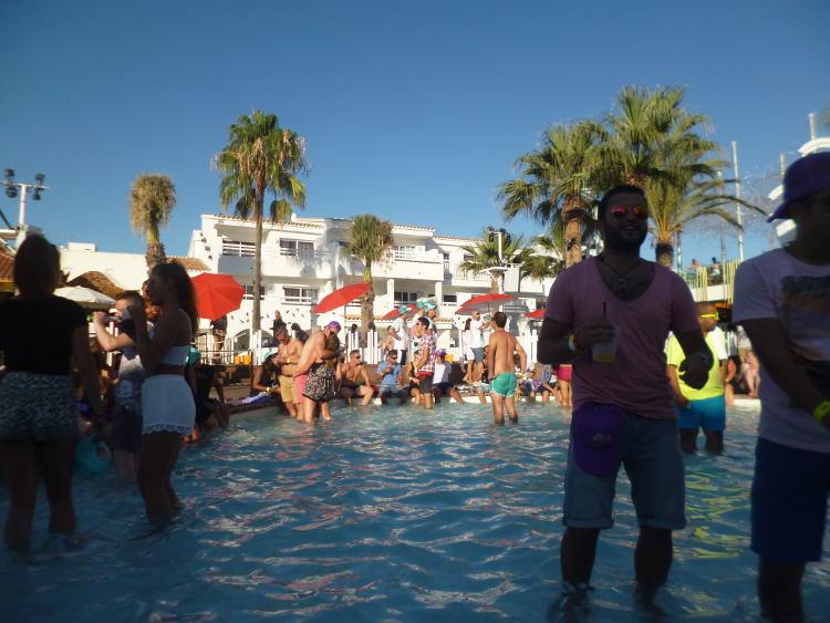 ushuaia discoteca ibiza piscina